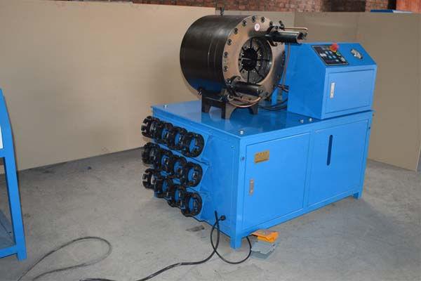 3 '' - Stroj za stiskanje